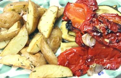 Rosmarinkartoffeln und Ofengemüse