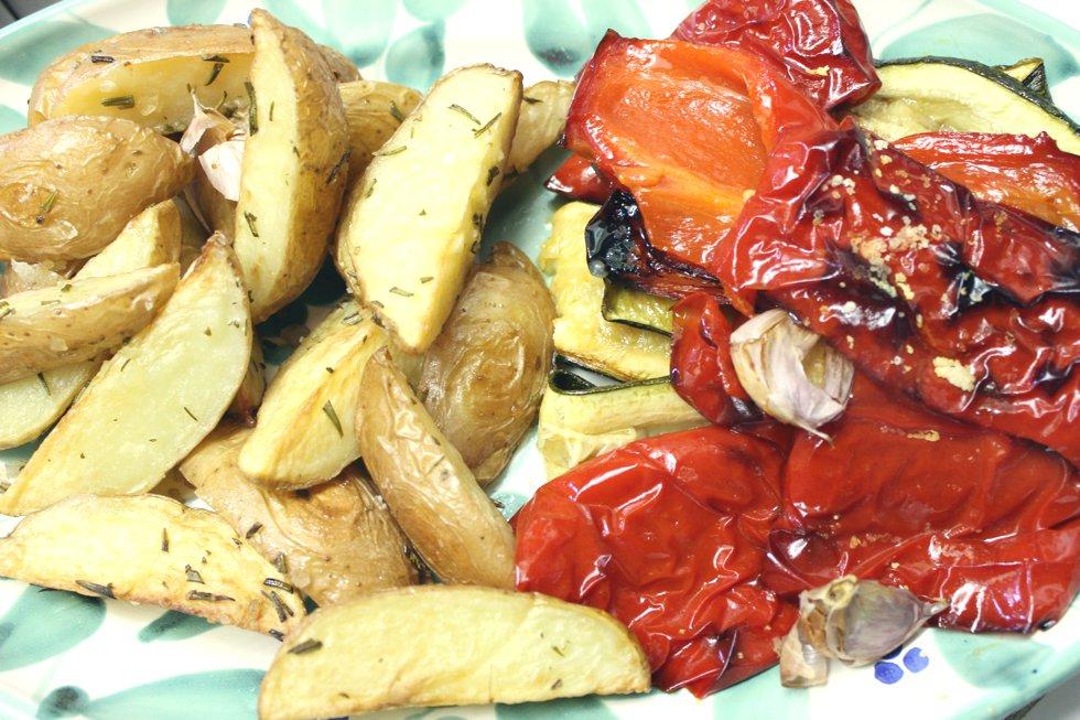 Rosmarinkartoffeln und Ofengemuese