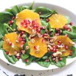 Spinatsalat mit Granatapfel und Orange