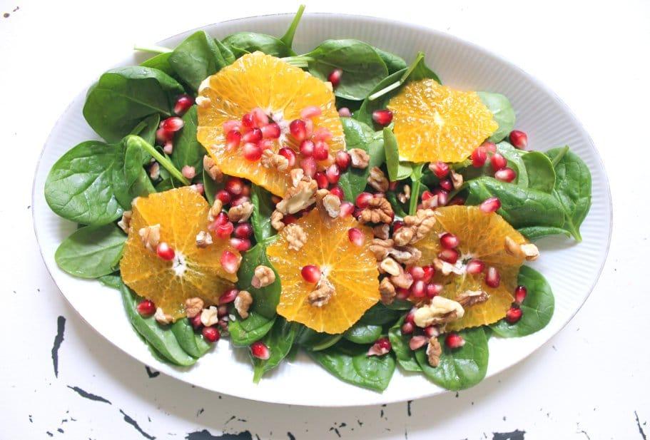 Spinatsalat mit Orangen und Granatapfel