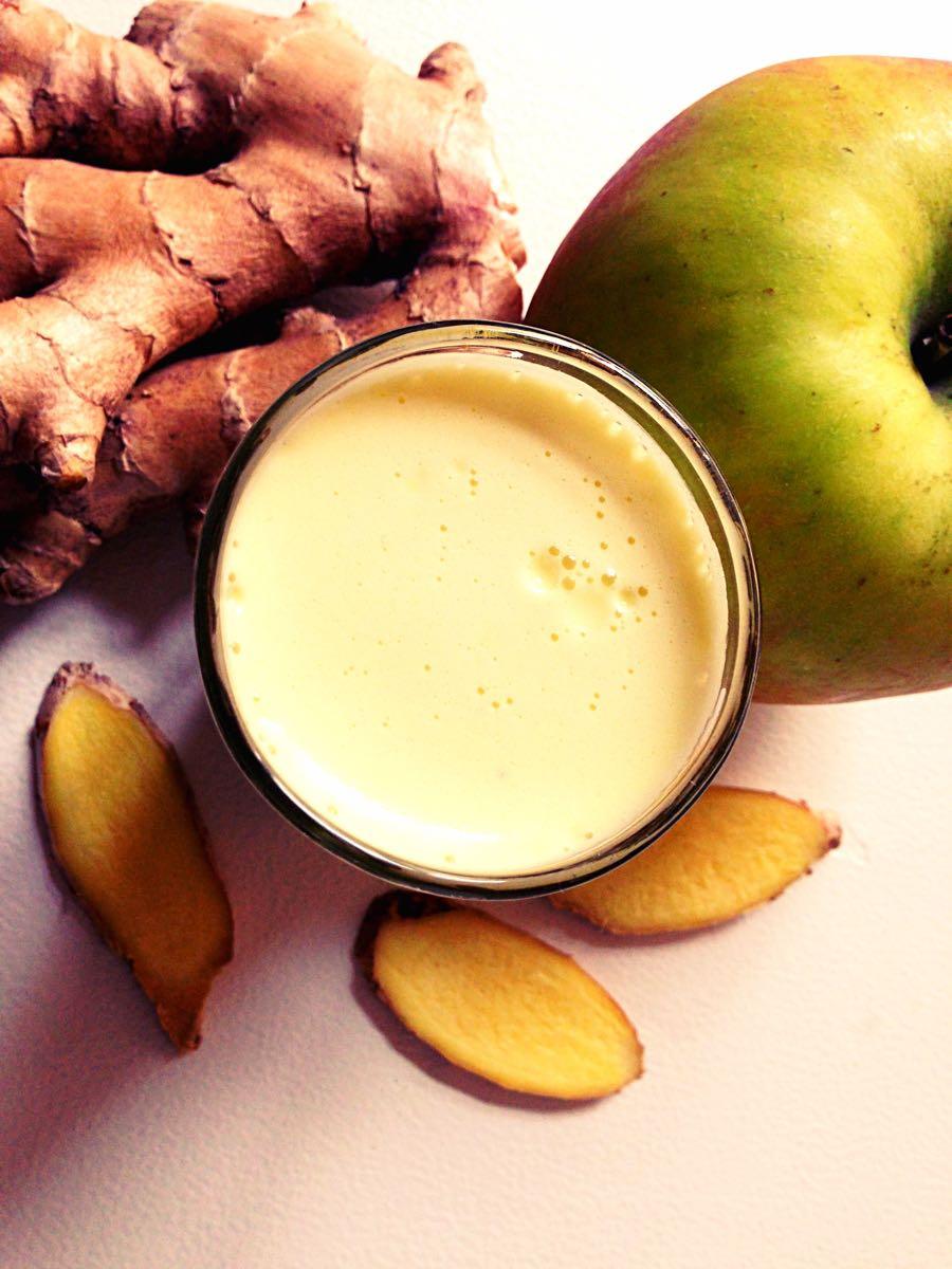 Glas mit Apfel-Ingwer-Shot-entgiften-detox Vorschau