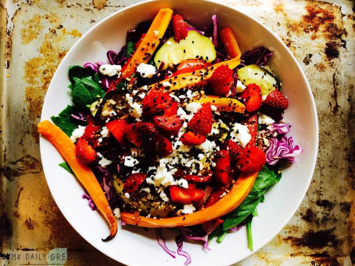 Riesen-Regenbogen-Salat-glutenfrei-mydailygreen-cleaneating