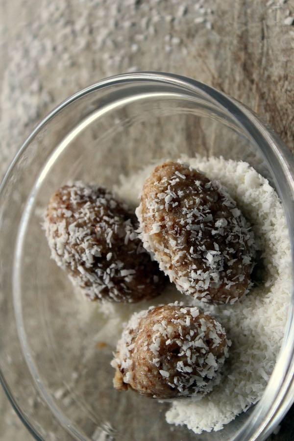 Gesunde-Kokos-Ostereier-ohne-zucker